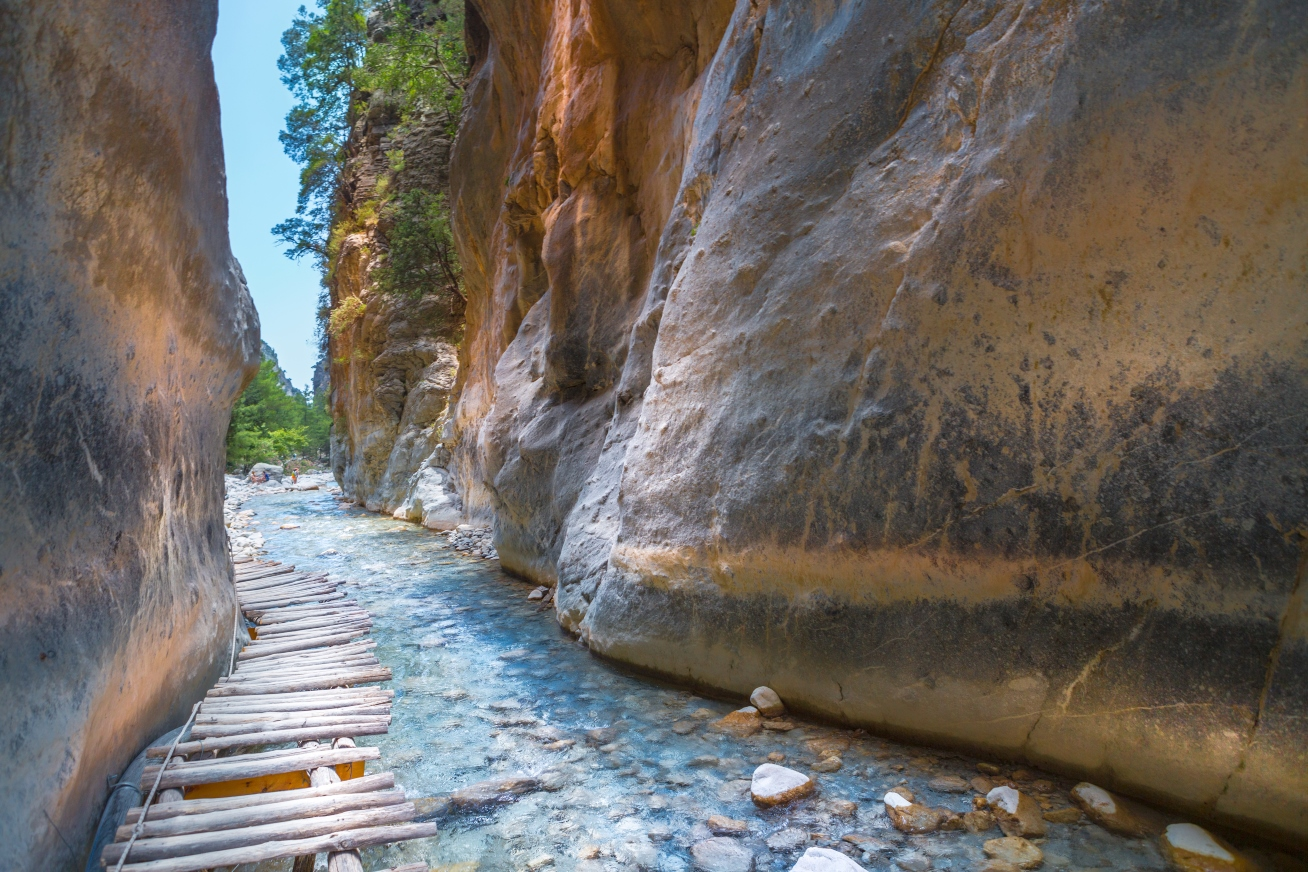 Hiking in Samaria-Gorge-Crete